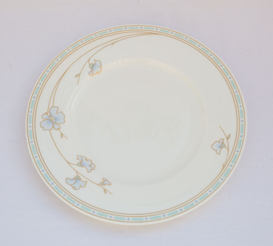 villeroy boch heinrich flora azzurra dessert plate bone china. Black Bedroom Furniture Sets. Home Design Ideas